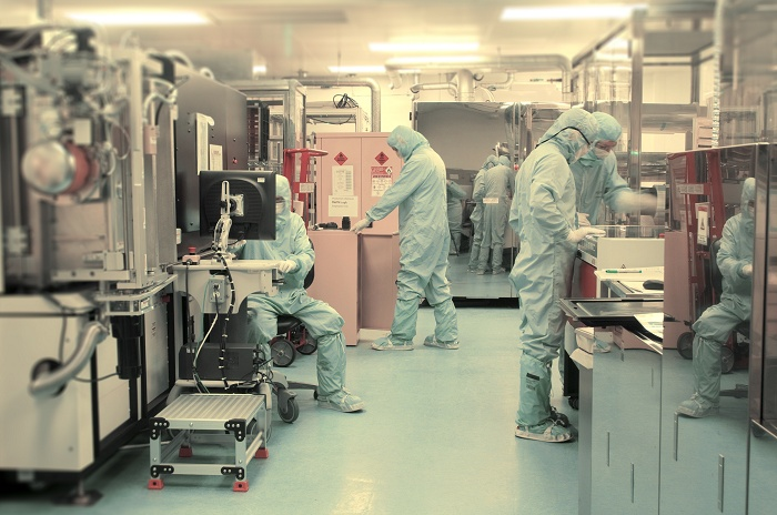 FlexEnable cleanroom in Cambridge UK